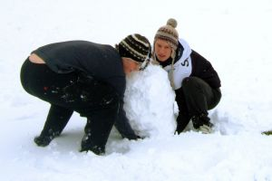 1144567_boys_in_the_snow