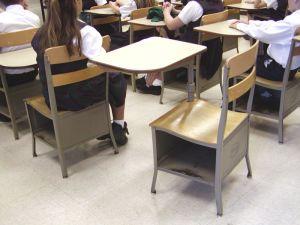 251751_empty_classroom_desk