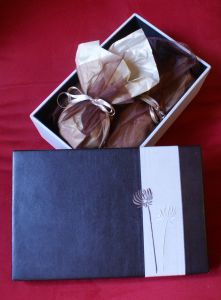 1083573_gift_wrapping_1