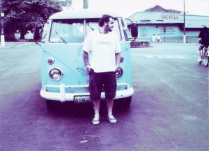 392834_vintage_guy_with_van