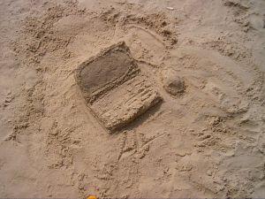 488554_sand_laptop_2