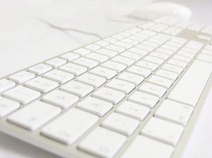 992762_keyboard_white_2